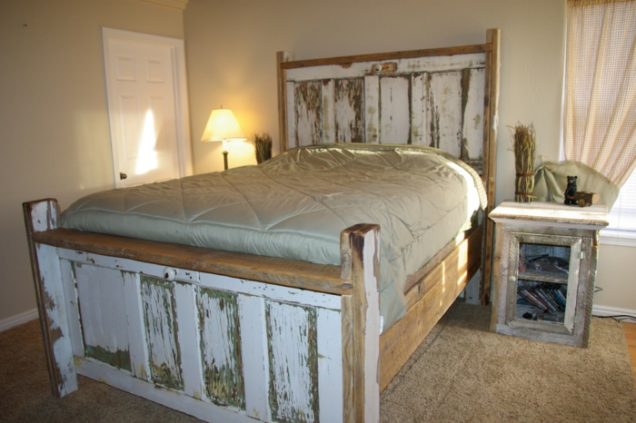 türen-verschönern-im-schlafzimmer-für-das-bett-verwenden