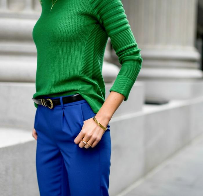 leger kleidung in dem büro tragen ausgefallene farben blau grün türkis gürtel schwarz