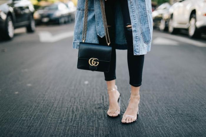 smart casual dress code schuhe transperant gucci minitasche jeans mantel schwarze hose