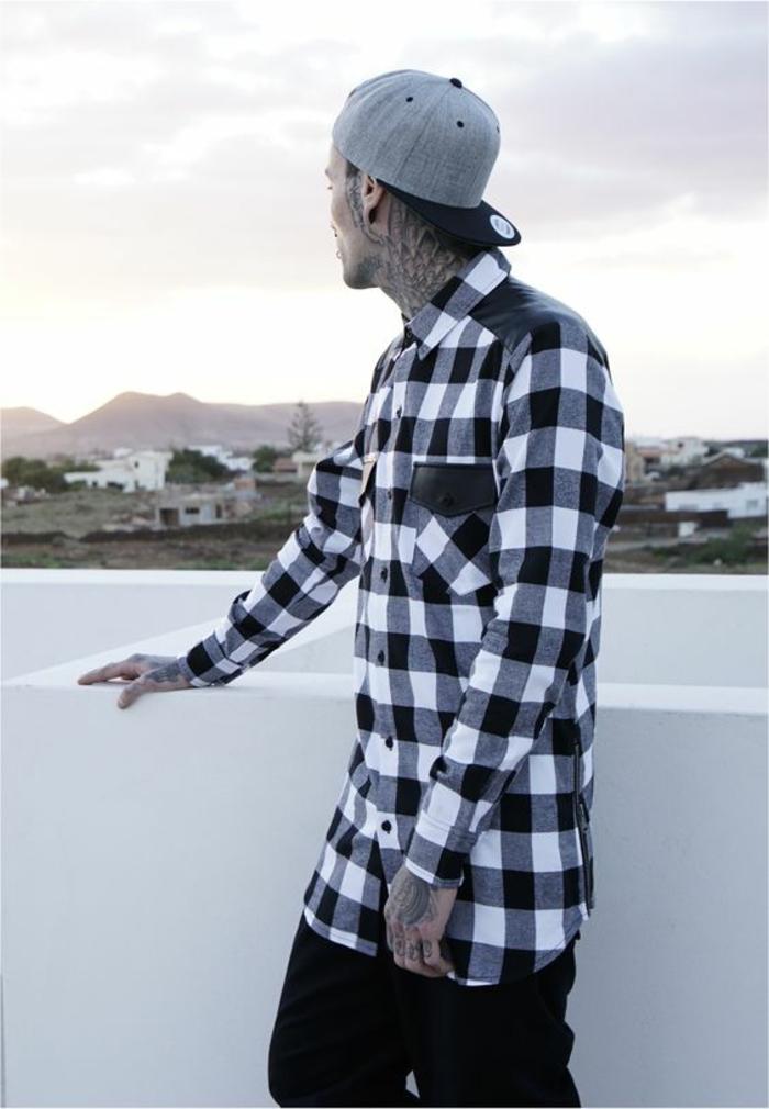 Urban Classics für Herren - kariertes Hemd in Schwarz und Weiß und graue Mütze