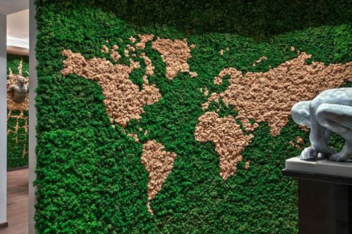 ein Moosbild, das die Weltkarte darstellt