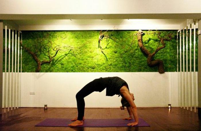ein Moosbild für mehr Frische im Yogastudio