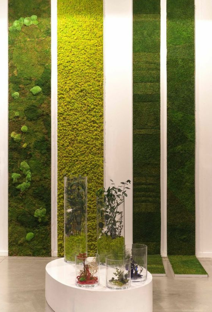 vertikale Bepflanzung mit Moos im Office