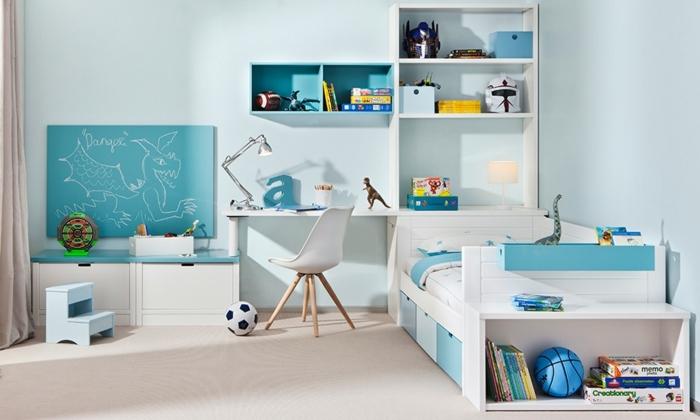kinderzimmer einrichtung möblierung möbel und deko in weiß und blau drachen malen idee