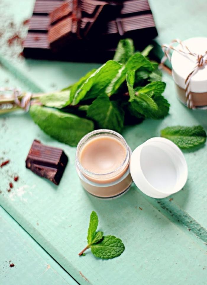 lippenbalsam selber machen aus pfefferminze und chokolade