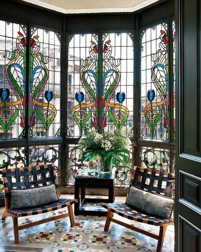 eine wunderschöne Glasmalerei zur Fenstergestaltung in der Relaxecke