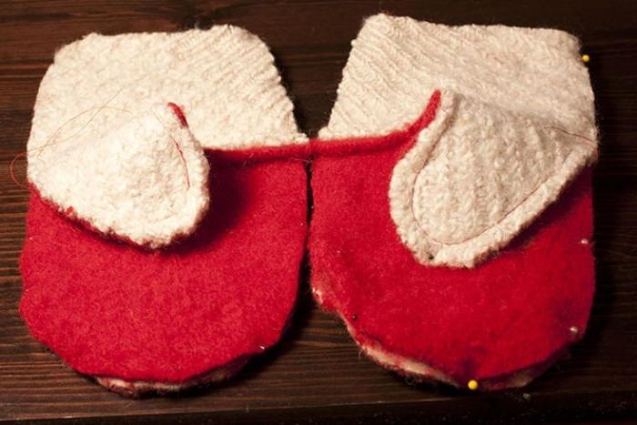 upcycling ideen, fäustlinge, diy ideen rot und weiß deko accessoires selber machen