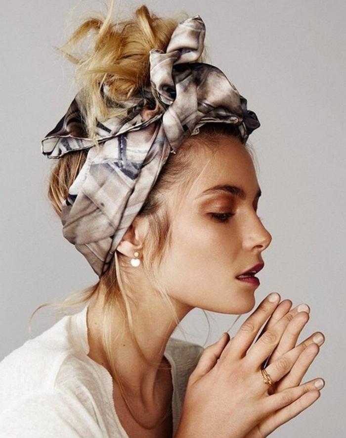 bandana frisuren - blonde haare, hochsteckfrisur, alltagsfrisur