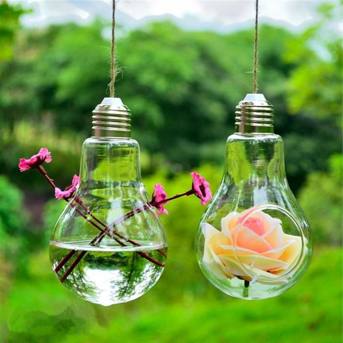basteln mit glühbirnen, gartendeko, blumen, vasen aus birnen