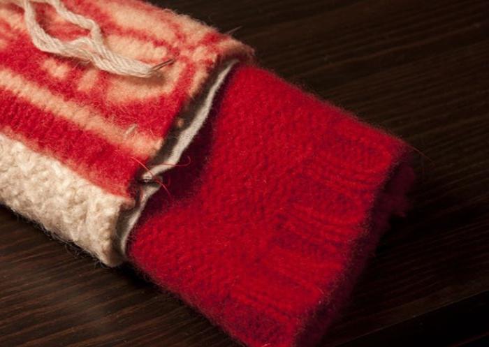upcycling ideen, alter pullover zu neuem kleidungsstück oder accessoire machen