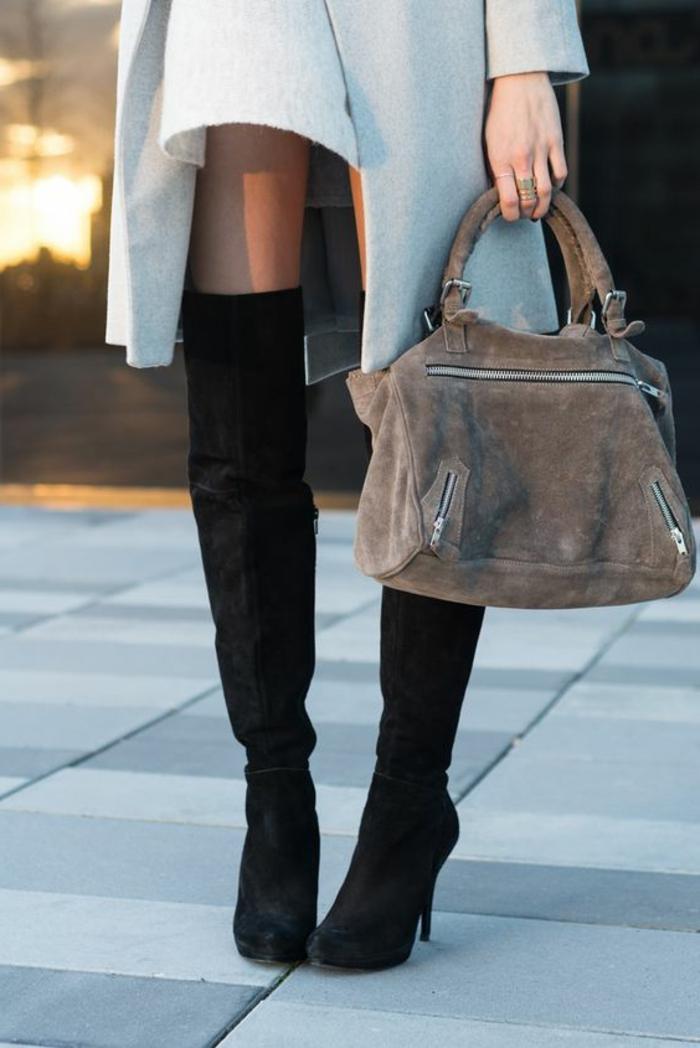 Velours Tasche und Overknee Damenstiefel schwarz