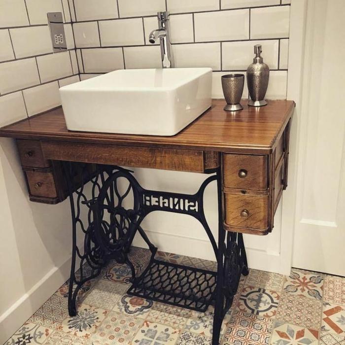 Originelle Idee für alte Nähmaschine, Upcycling zu Waschbecken, Badezimmer Möbel, aus alt mach neu