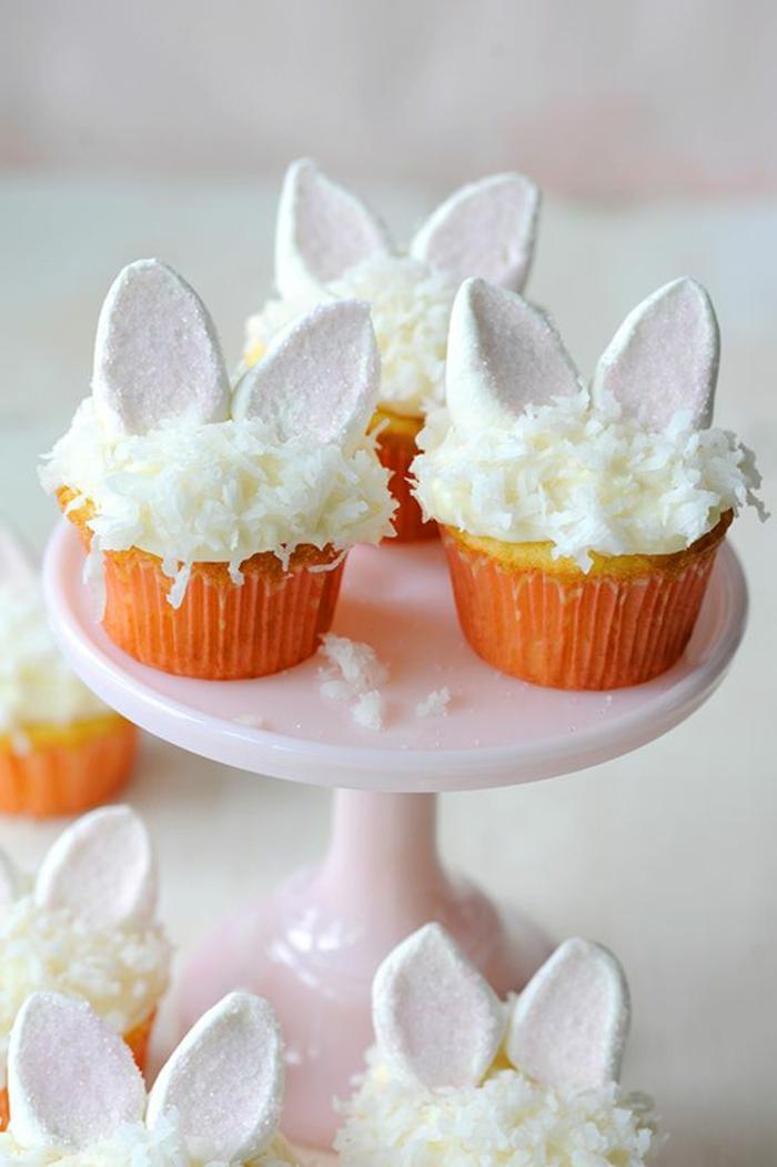 Backen für Ostern - kleine weiße Ohren von Osterhase in Kokos aus Marshmallows