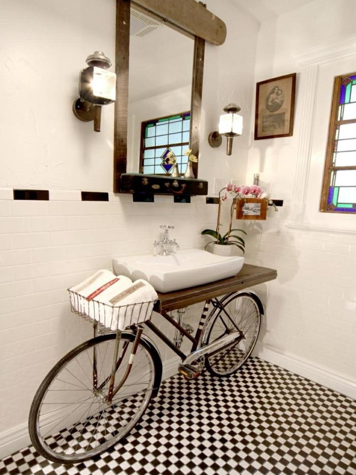 Kreative Idee für das Badezimmer, Wiederverwendung eines Fahrrads als Waschbecken, Upcycling Möbel,