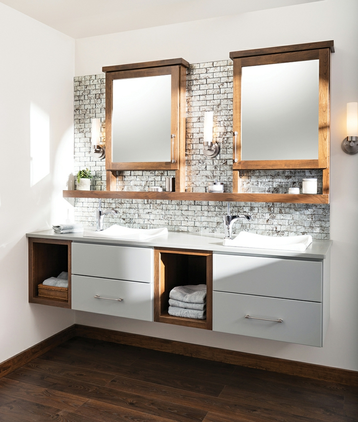 badmöbel schrank spiegel dekoration kerzen lampen beleuchtung