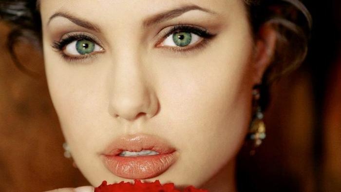 augenfarben bedeutung die augen von angelina jolie sind groß und grün volle lippen schauspielerin