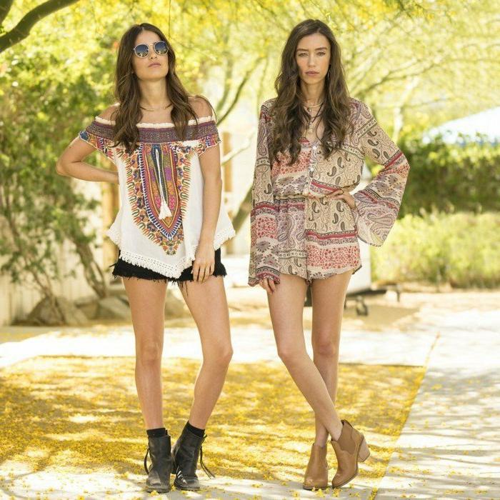 coachella festival anziehen ideen stiefel und socke mit kurzen hosen und breiten blusen hippie