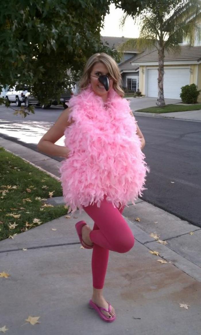 lächerliches Kostüm in rosa Farbe - Faschingskostüm Ideen zum Selbermachen