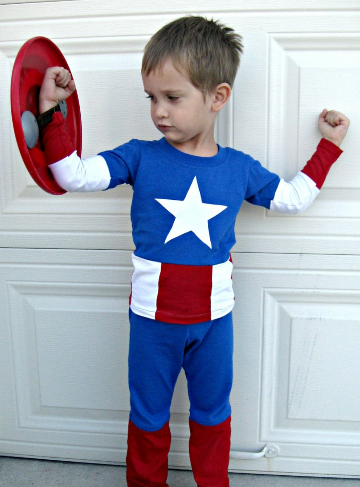 DIY Fasching Kostüm von Captain Amerika aus drei Blusen in entsprechenden Farben