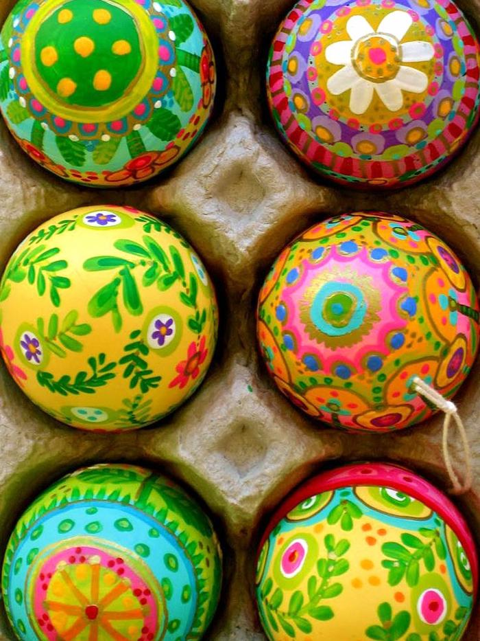Bilder Ostereier in fröhlichen Farben orientalische Muster von Blumen