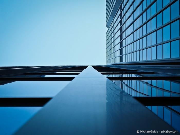ein Foto in blauer Farbe