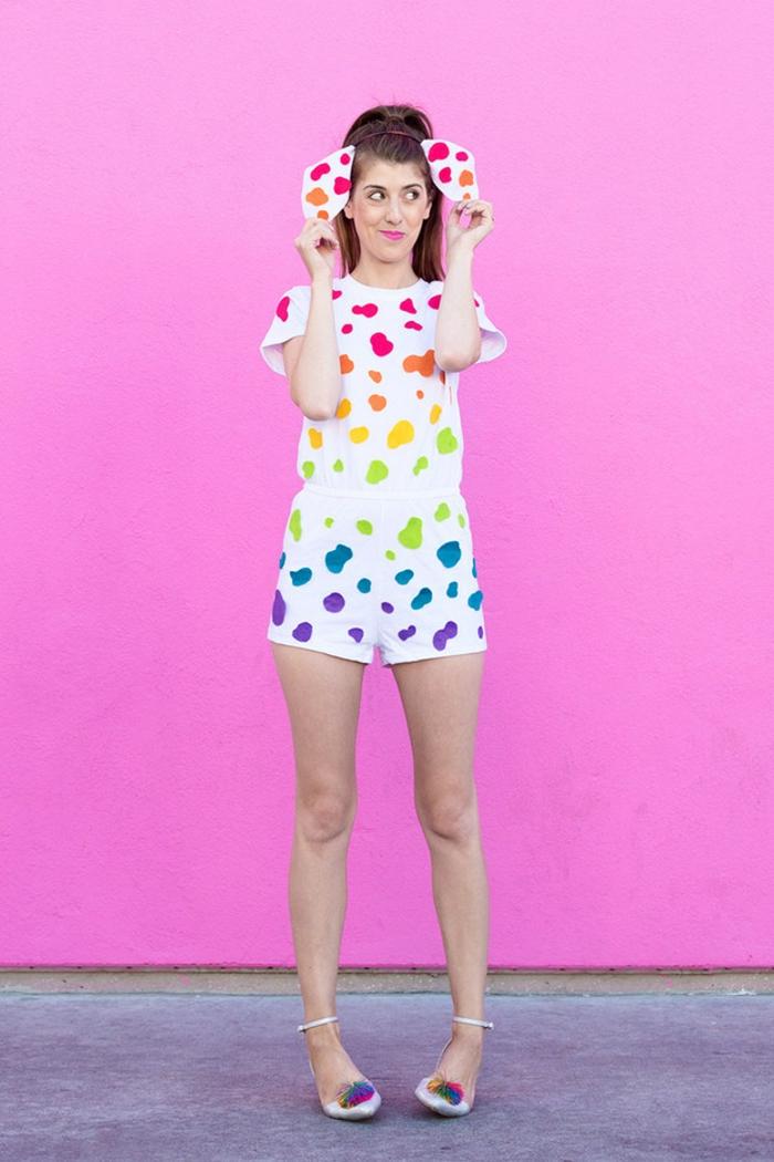 Faschingskostüme Ideen zum Selbermachen - bunte Flecken auf weiße Kleidung- Dalmatinier