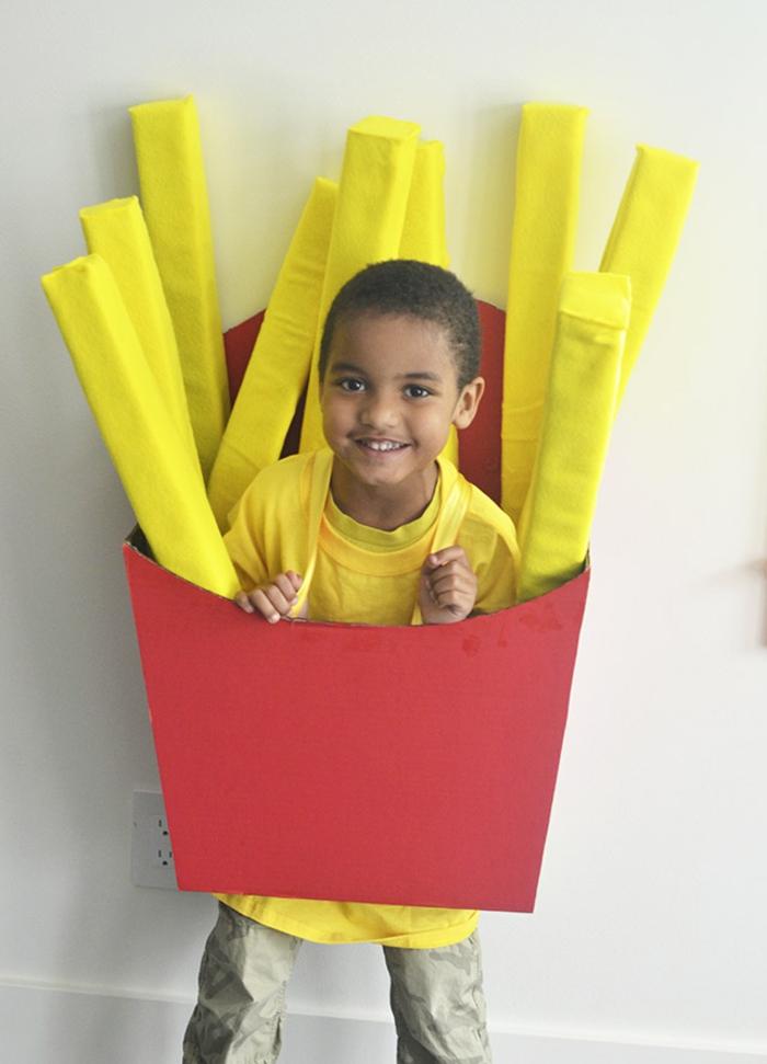 Faschingskostüm zum Selbermachen - ein Junge wie Pommes Fries aus MacDonalds