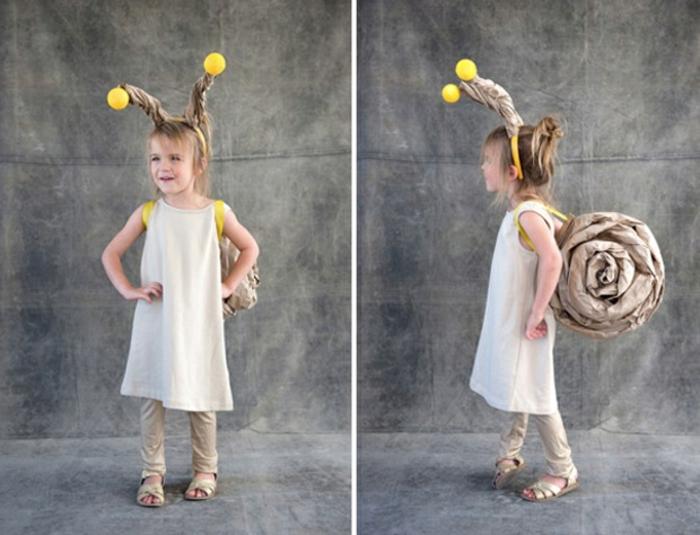DIY Faschingskostüme - Mädchen mit weißem Kleid und Rucksack wie Schnecke