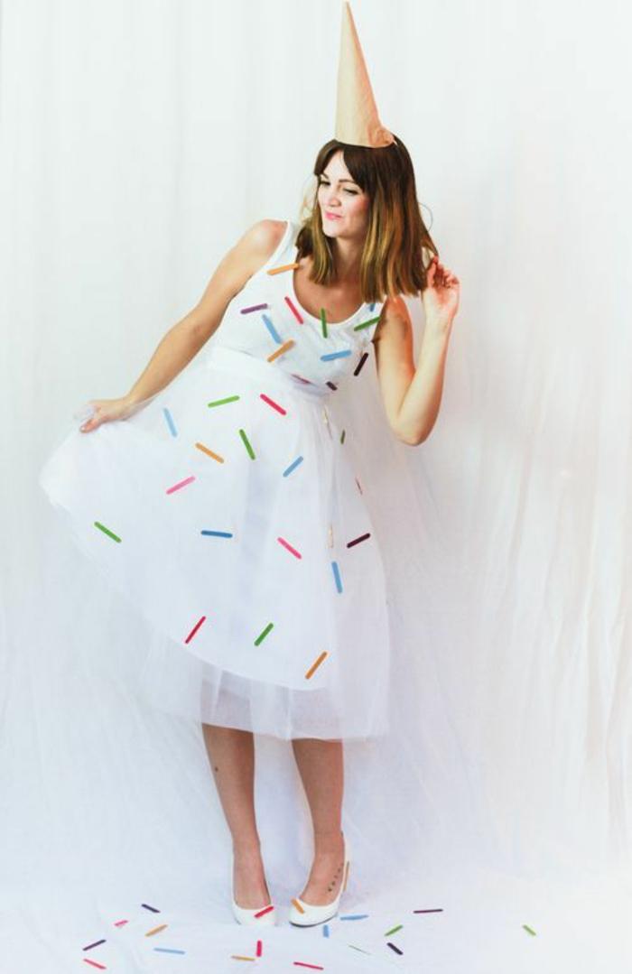 ein Kleid wie Eis - Faschingskostüme Ideen zum Selbermachen