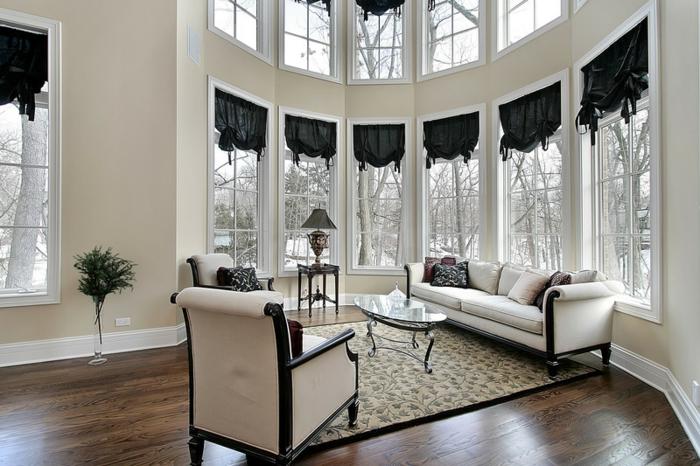 Landhaus Villa Dekotipps für Sprossenfenster Lampe am Fenster