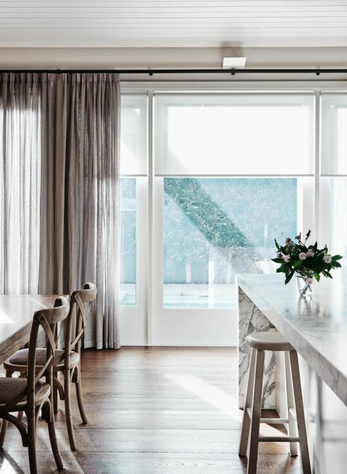 beige, transparente gardinen in der küche