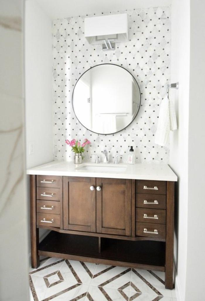 Fliesen mit geometrischen Formen - zwei Varianten, gerundeter Spiegel
