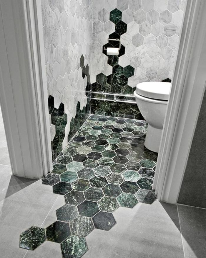 Wald Motive auf Kacheln - Badezimmer Fliesen auch weiße Kacheln in interessanter Kombination
