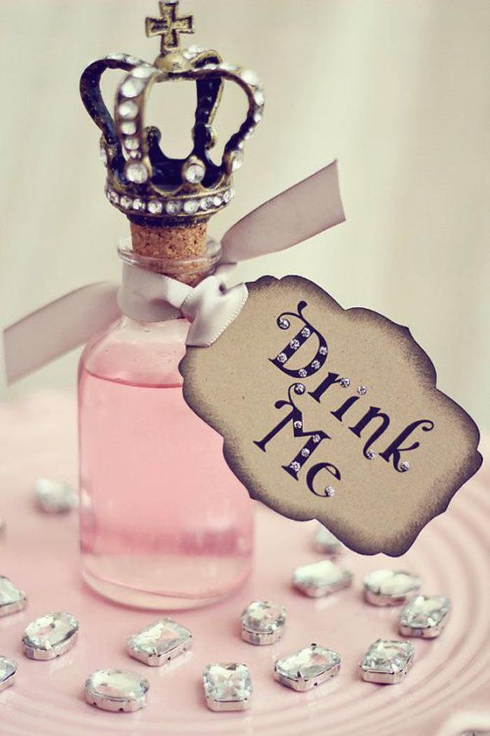 geschenk, hochzeit, gaeste, glasflasche, rosa, krone, diamanten