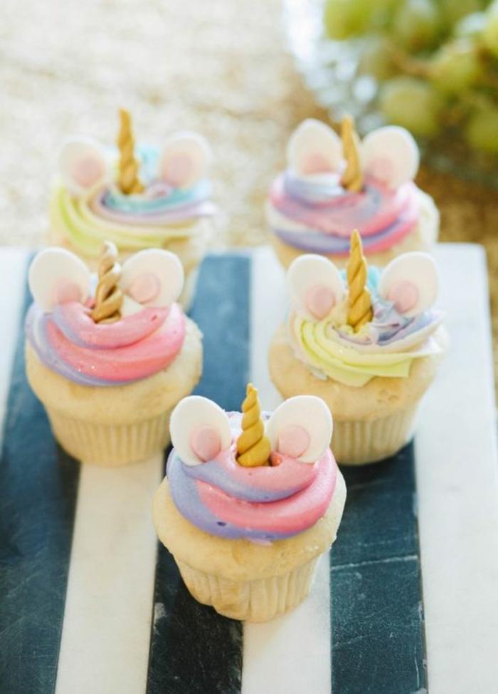 hier ist noch eine idee für kleine gelben einhorn kuchen