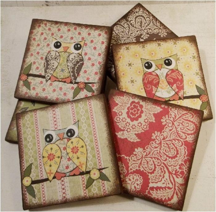 hier sind vier schöne servietten mit dret vögeln und ästen und blumen - ideal für serviettentechnik