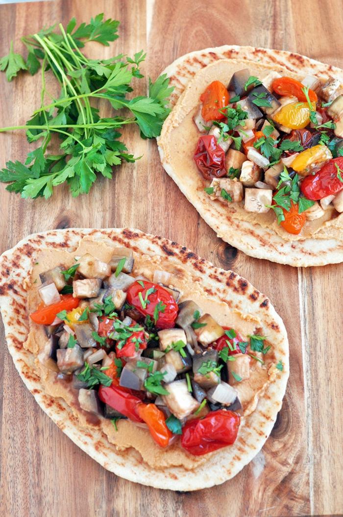 kichererbsen gesund tortillas zubereiten idee petersilie hummus gemüse leckere rezepte