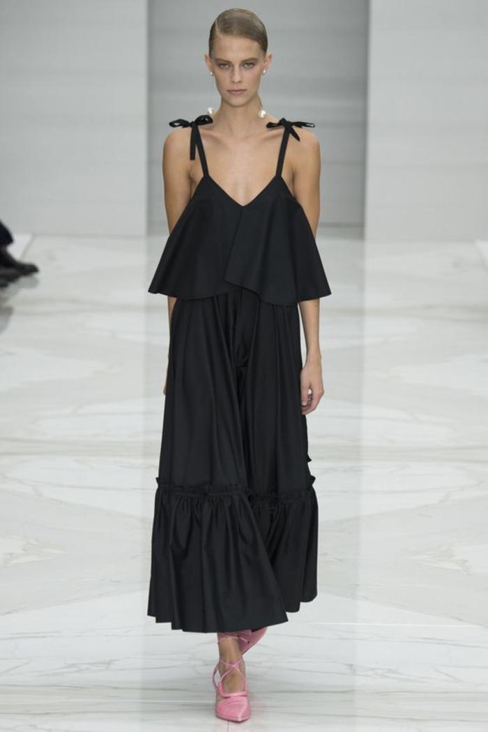 Welche schuhe zum schwarzen langen kleid