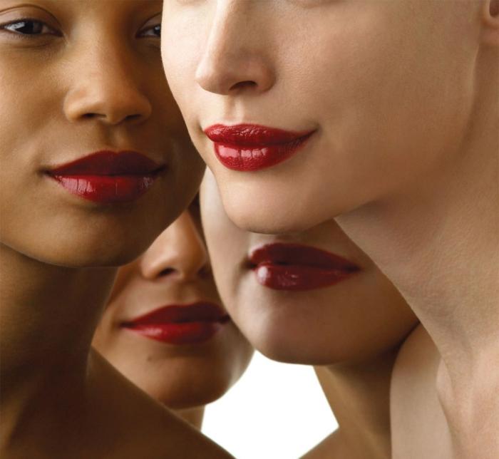 natürliches make up vier frauen vier verschiedenen arten von lippen roter lippenstift glanz models