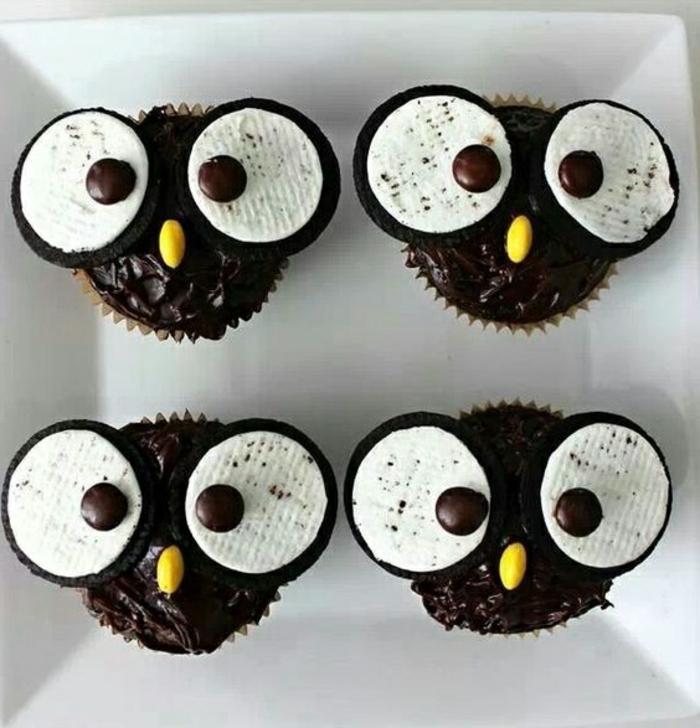 muffins-eulen aus schokolade und augen aus oreo-keksen