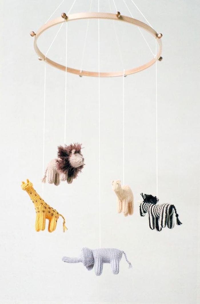 Tierchen selber stricken und ein Mobile basteln