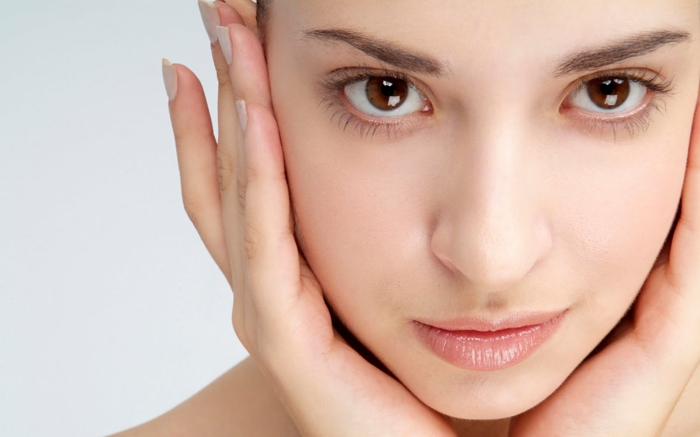 natürlich schminken tolle beispiele für natürliche schönheit keine schminke braune augen