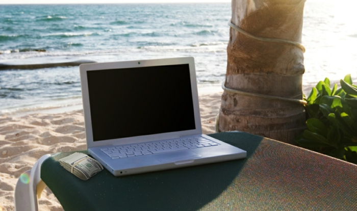 ortsunabhängige Arbeit, Laptop, von unterwegs arbeiten