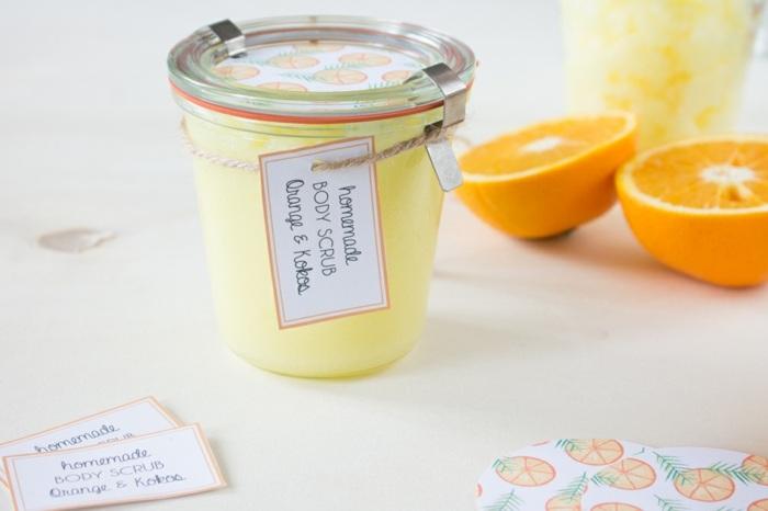 selbstgemachtete peelings mit orangen, einmachglas, orange