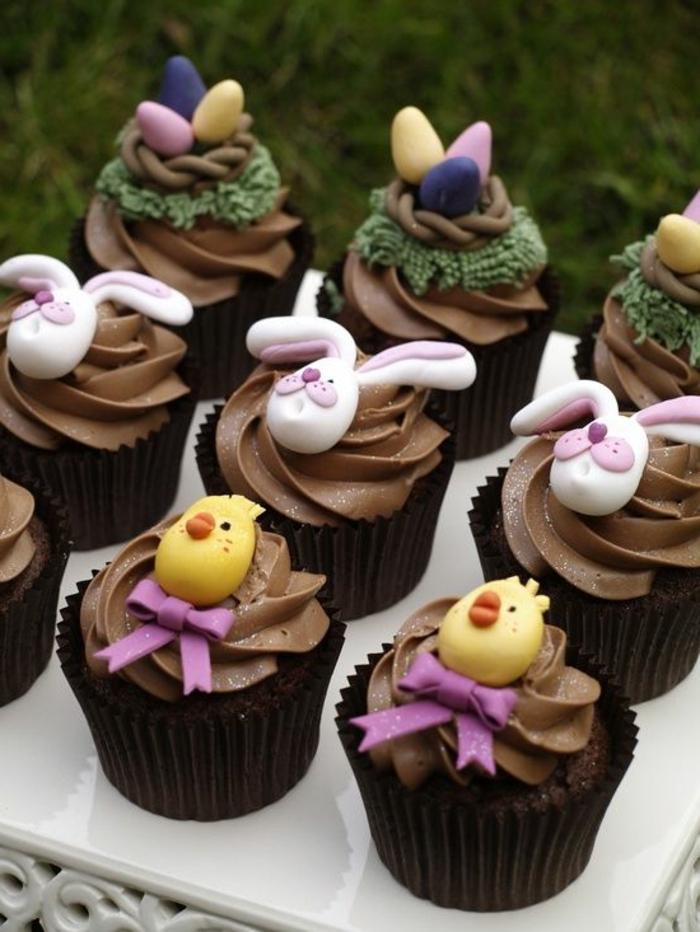 Fondant Figuren auf Schokolade Glasur - so lecker aussehend - Rezepte zu Ostern