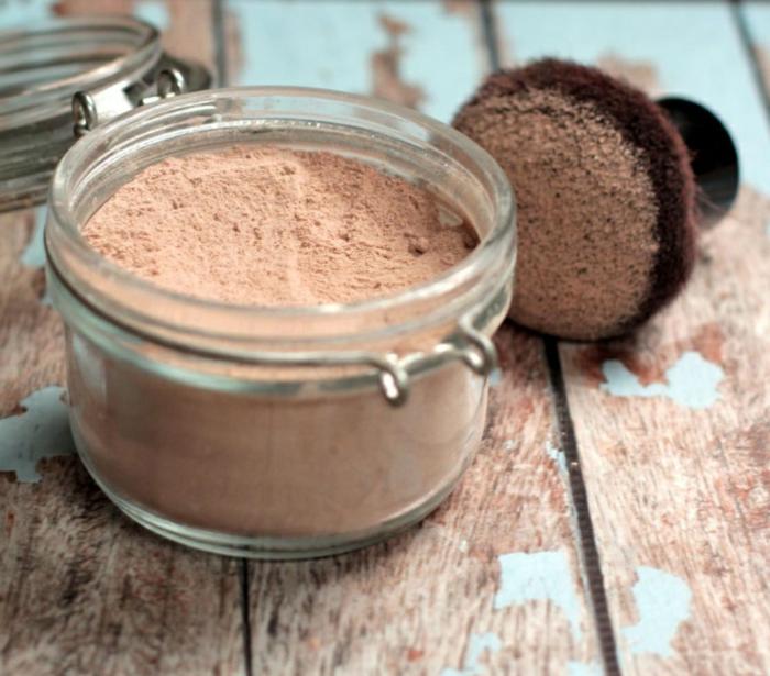 Schminke selber machen - Foundation Powder mit Zimt, Muskat, Pfeilwurzpulver und Kakaopulver