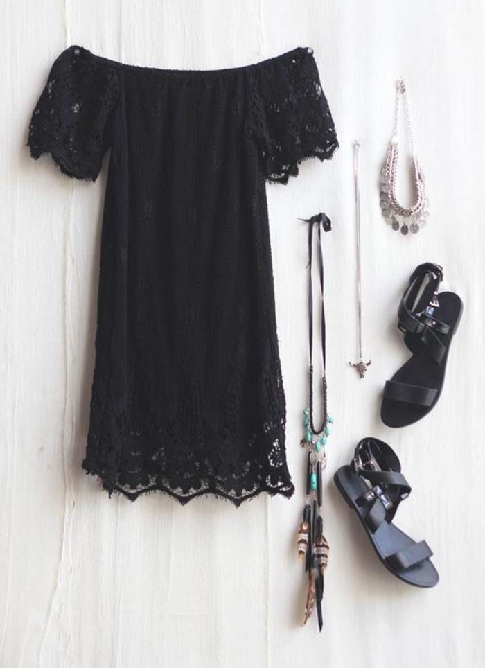 sommerkleid, kombination mit langen ketten und sandalen, das kleine schwarze