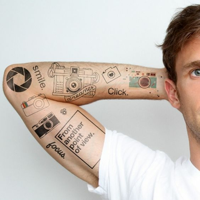 tattoos motive tolle ideen für mehrere tattoo-gestaltungen auf einem arm von mann kamera lächeln