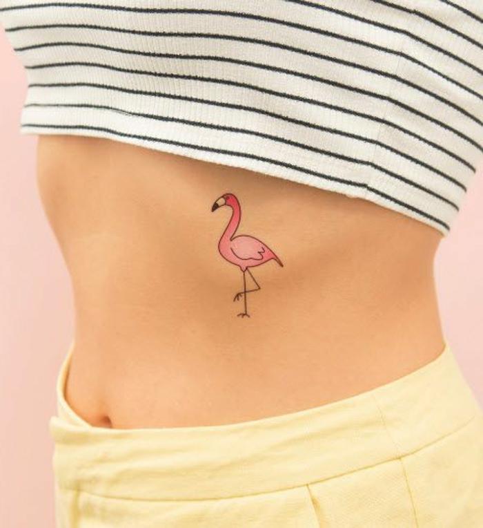 tattoo vorlagen flamingo vogel gelbe hose karierte bluse nackte körper tattoo auf sich kleben und zeigen