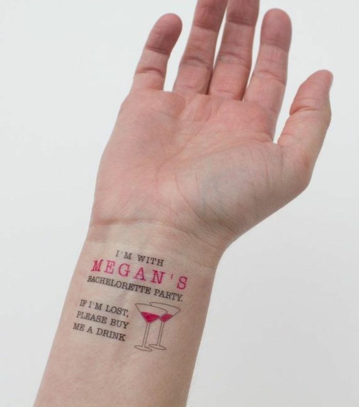 kleine tattoo ideen party für die zukünftige braut einen tag vor der feier brautjungfern organisation
